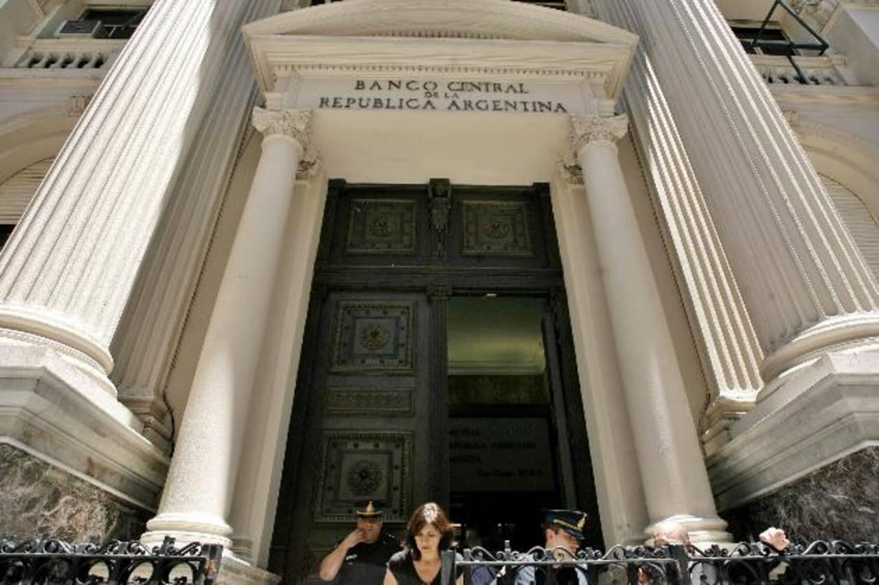 """Argentina considera que las obligaciones con """"otros"""" acreedores no reestructurados llegará $15,000 millones."""