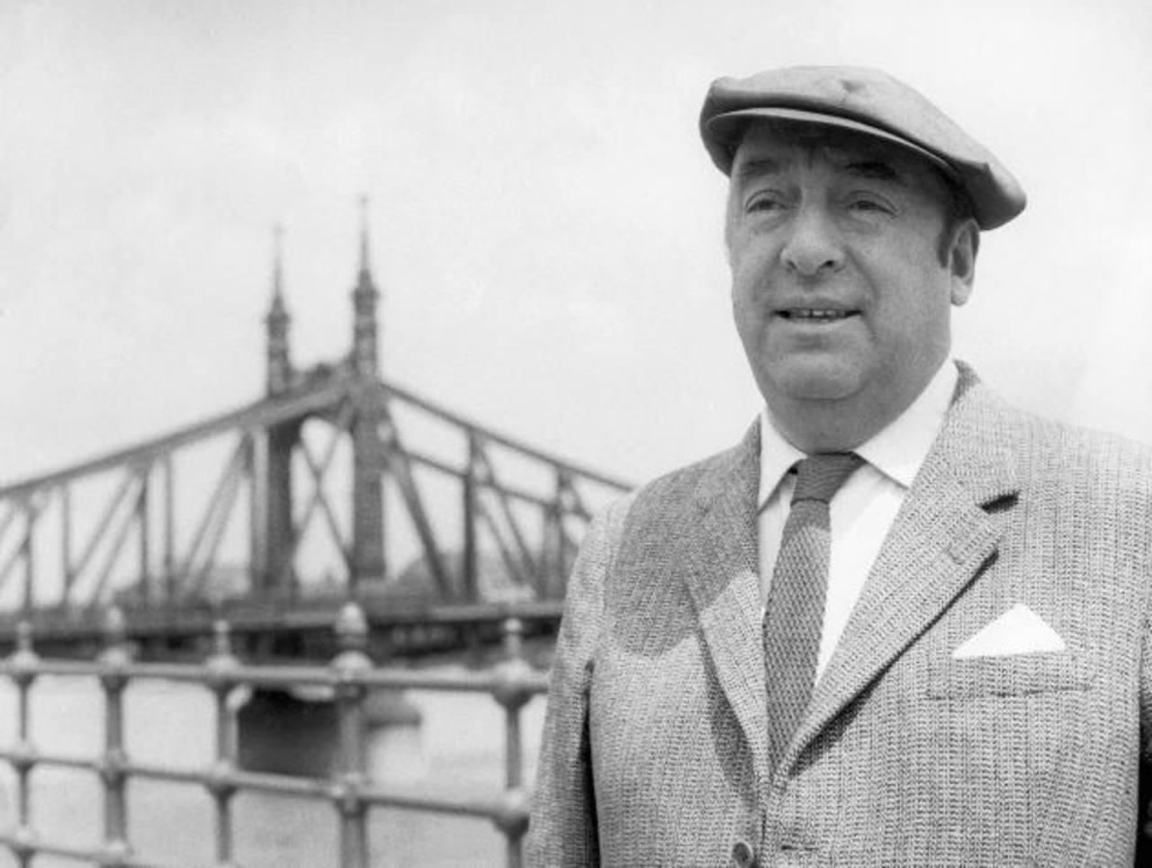 """La celebración del cumpleaños de Pablo Neruda incluirá , la donación de una """"Biblioteca multilingüe Pablo Neruda""""."""