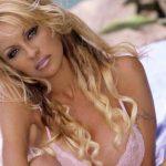 """Pamela Anderson: """"Ningún hombre sabe qué hacer conmigo"""""""