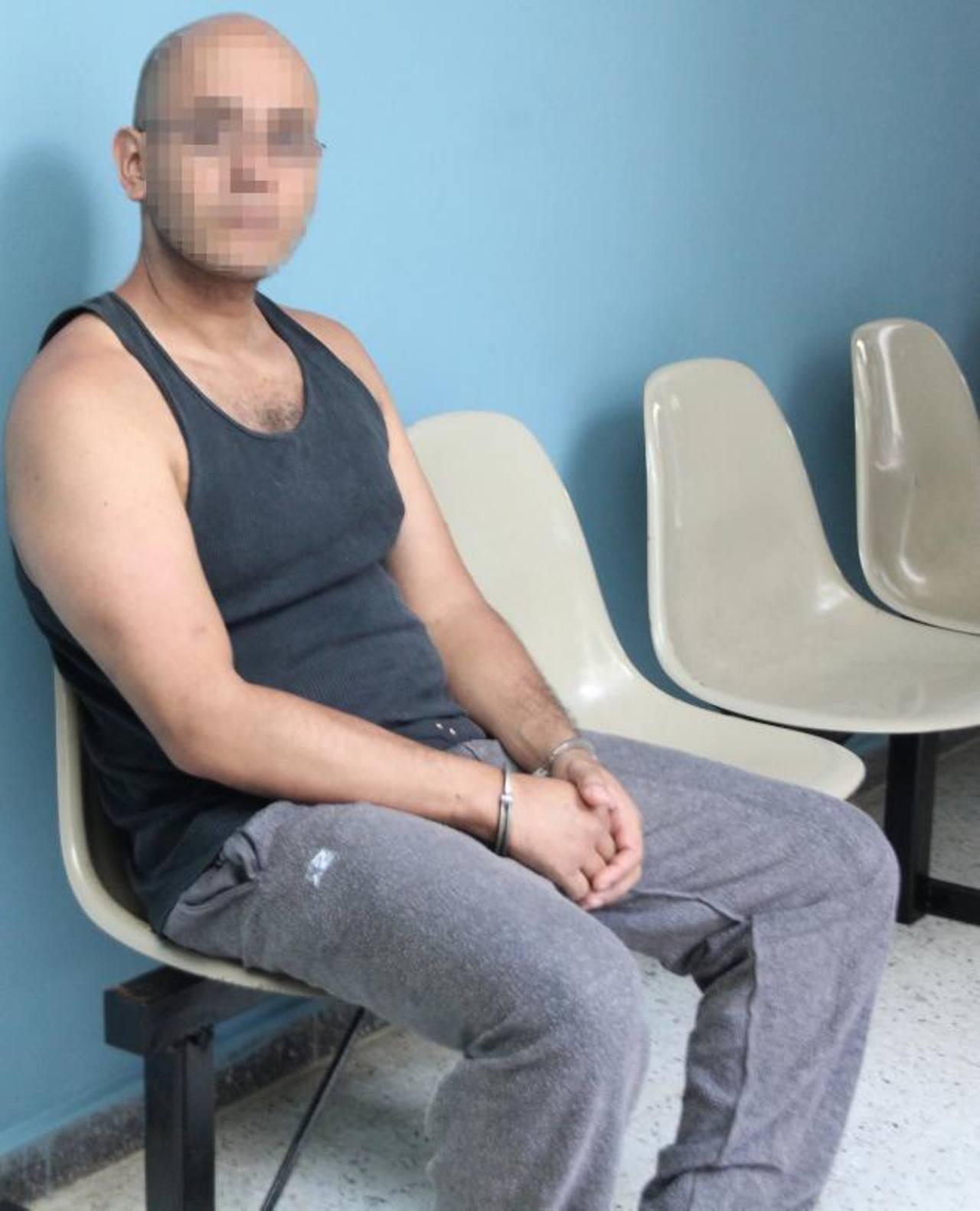 Carlos Guillermo C. A., expuso fotos y vídeos de su expareja, menor de edad, mientas sostenían relaciones sexuales. Foto EDH / Juzgados