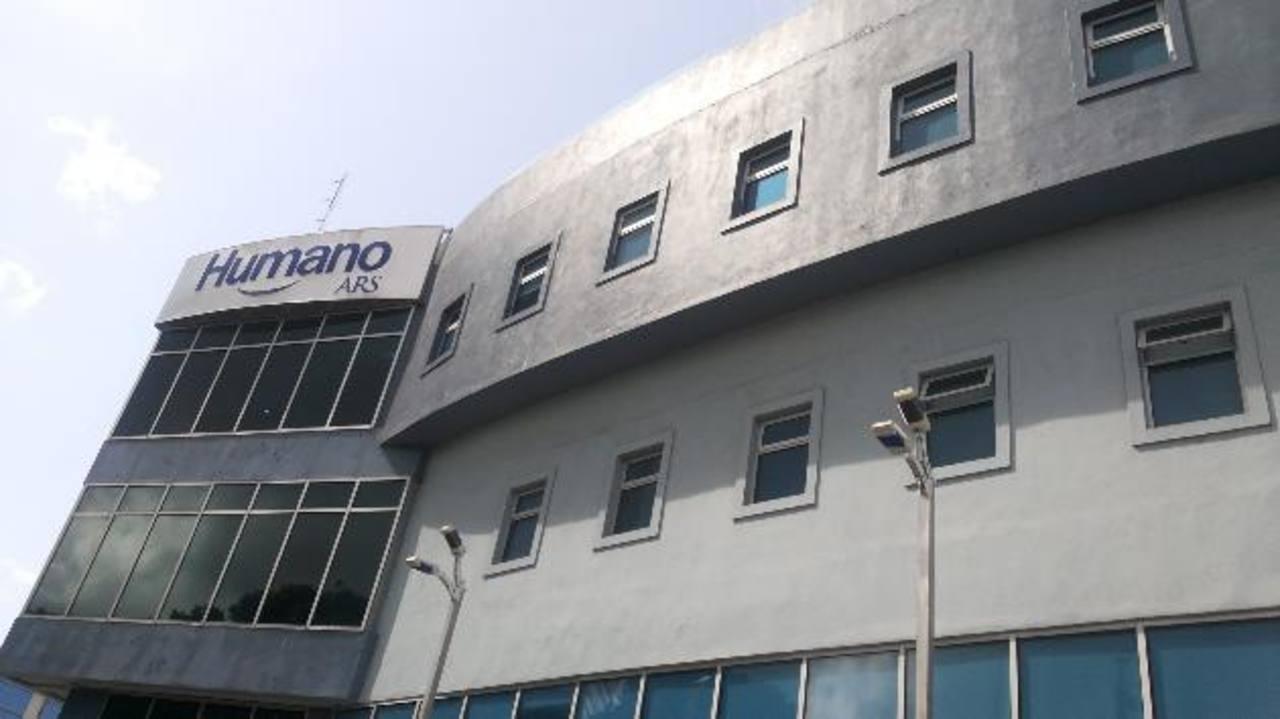 Edificio de oficinas centrales de Humano ARS, en República Dominicana, donde esta compañía es líder en el rubro de administradoras de riesgo. Foto EDH / José Henríquez