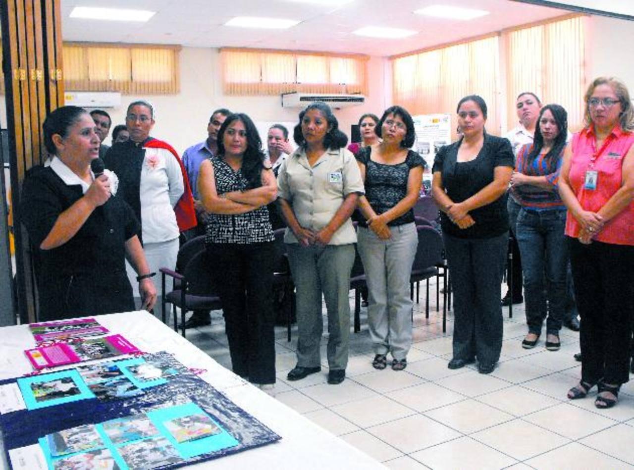 Personal de Salud de la zona occidental presentó logros de capacitación sobre humanización y trato al paciente. Foto EDH / Mauricio Guevara