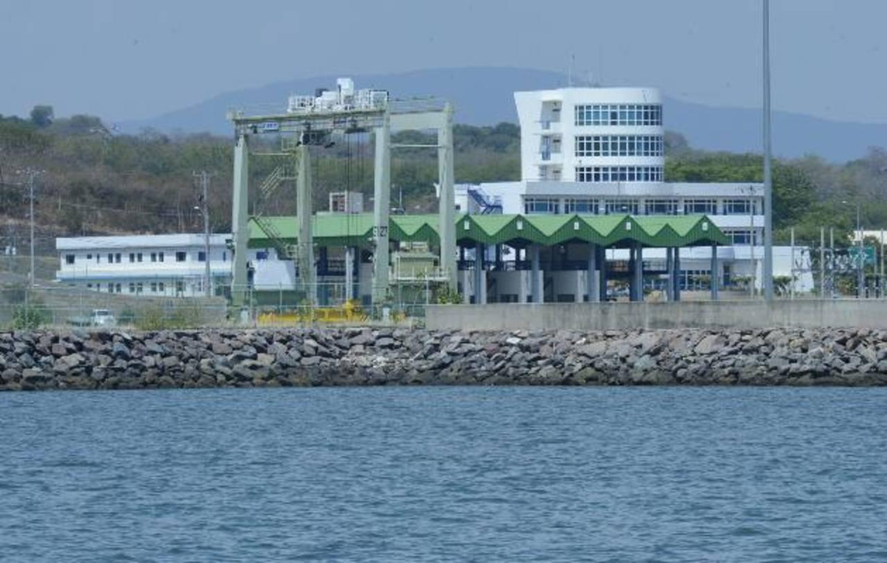 La construcción del Puerto de La Unión fue terminada en 2009. Foto EDH / Archivo