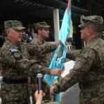 El coronel Harold Pineda (Der.) es el nuevo comandante de la Segunda Brigada de Infantería. Foto EDH / Mauricio Guevara