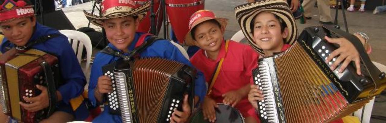 Los niños del vallenato del turco Gil.