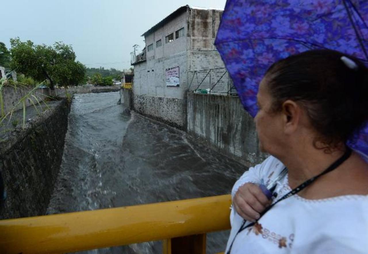 Autoridades municipales se mantienen pendientes de las zonas de riesgo en la capital.