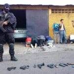 Los capturados tenían armas calibre 9 milímetros con su respectiva munición. Algunas con silenciadores. Foto EDH /Omar Carbonero