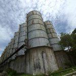 En San Martín, los silos en donde se guardaban frijol, maíz y arroz se encuentran en deterioro por la falta de cuidado. Fotos EDH /