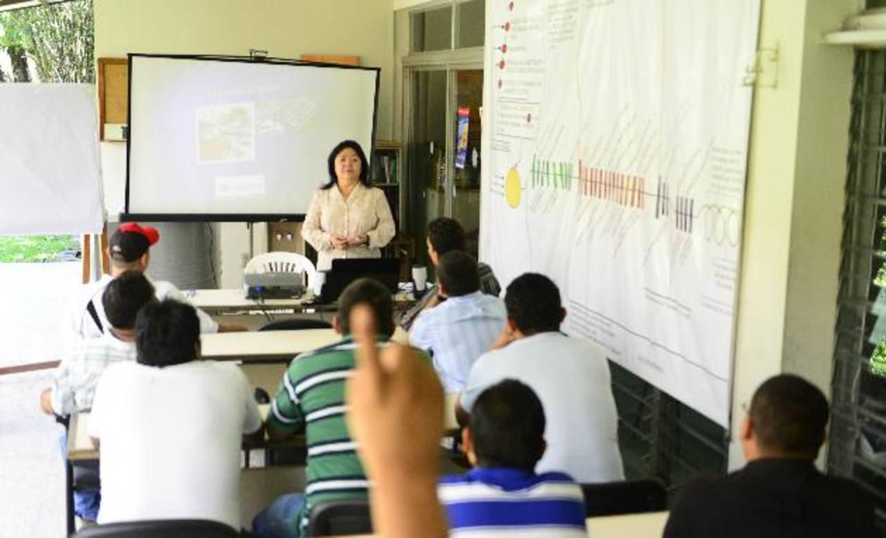 Fundasalva trabaja de la mano con otras organizaciones por una sociedad menos tóxica. Foto edh / René ESTRADA