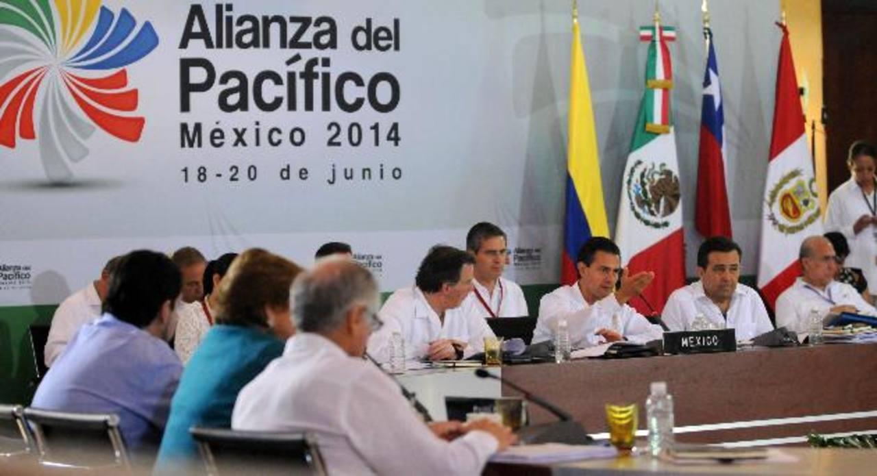 La cumbre Mercosur servirá para que el bloque comercial busque acuerdos de negocios con la Alianza del Pacífico. Foto EDH /