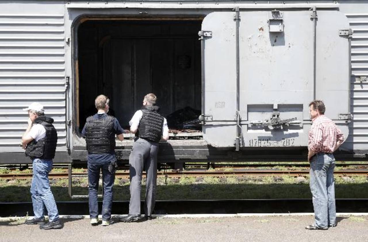Víctimas del Malaysia Airlines, cargadas en un tren a Donetsk