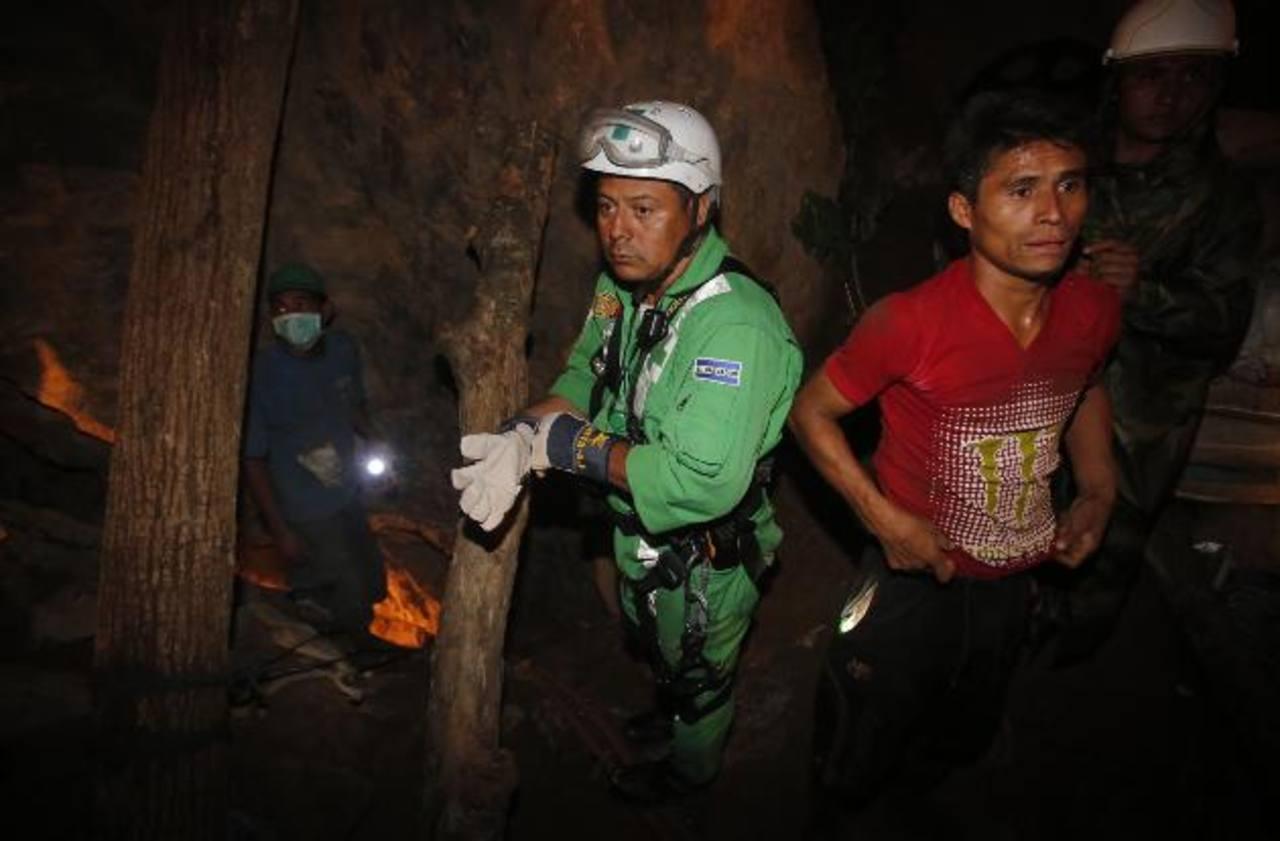 Rescatistas han logrado descender cientos de metros en la mina. foto edh/Cortesía El Heraldo