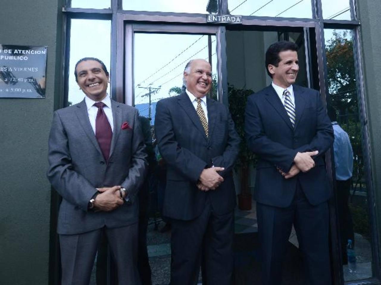 De izq. a der. están Jorge Carbajo (Canal 12), Carlos Francisco Aguilar (TCS) y Freddy Ungo (Canal 21). foto edh / rené quintanilla