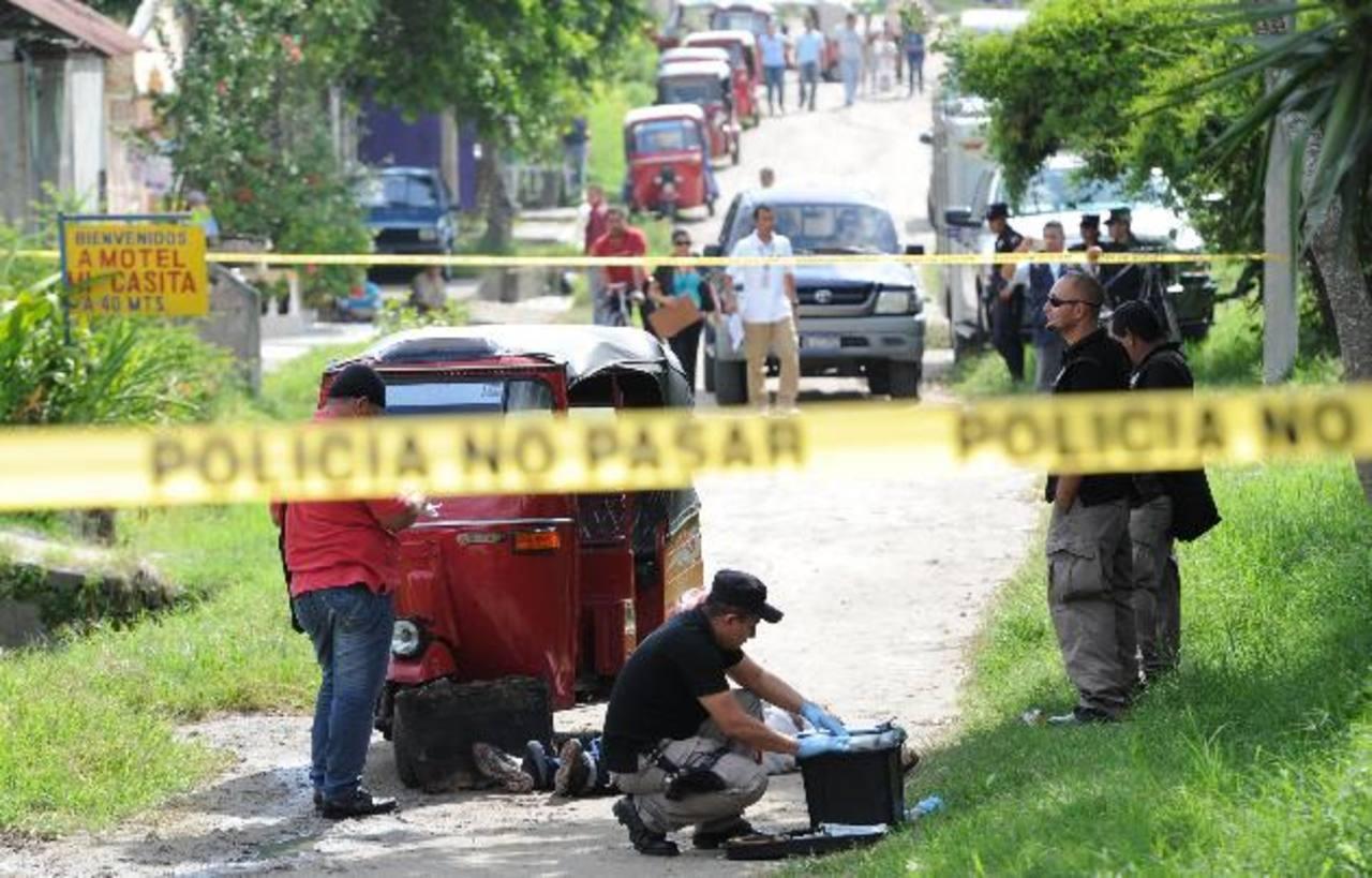 Mario Hernández, de 36 años, fue asesinado ayer cuando manejaba una mototaxi en San Martín. Foto EDH /Claudia Castillo