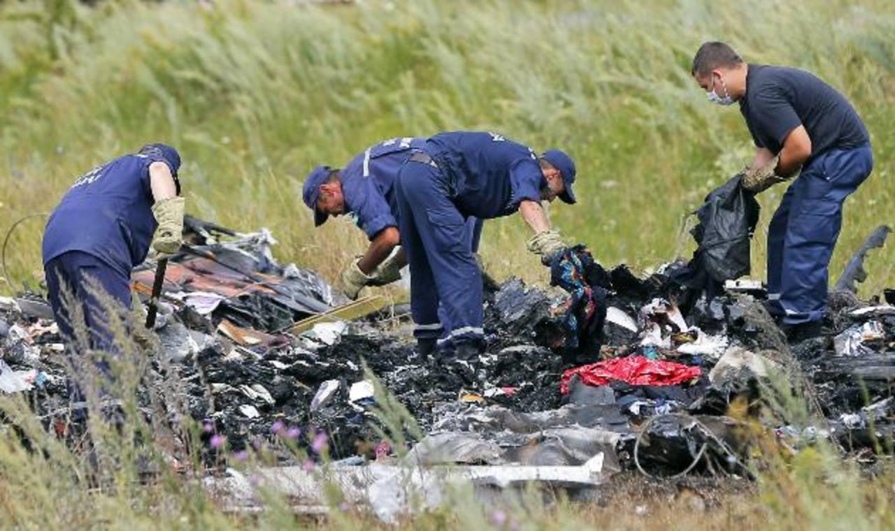 Hallan los cuerpos de otras 27 víctimas del Malaysia Airlines