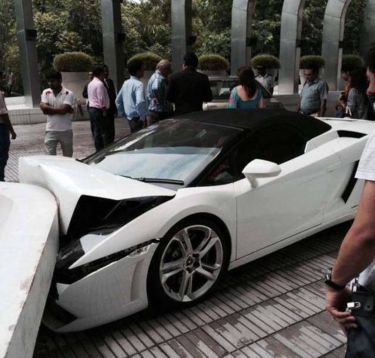 Video: Valet parking estrella Lamborghini en un hotel