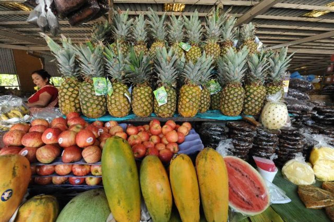 Si la fruta queda atascada en las fronteras, muchas veces, se echa a perder. foto edh / lissette monterrosa