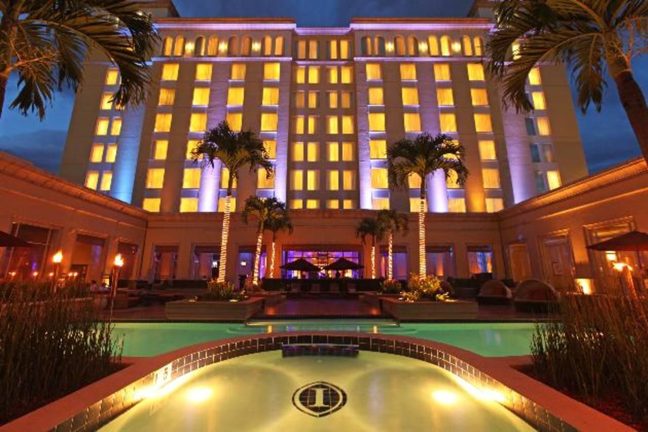 World Travel Awards otorgó cinco galardones a la cadena hotelera Real Hotels & Resorts, la división hotelera del Grupo Poma que es propietaria de 27 hoteles en Centroamérica, Estados Unidos, Panamá, El Caribe y Colombia. Tiene más de 90 años de exper
