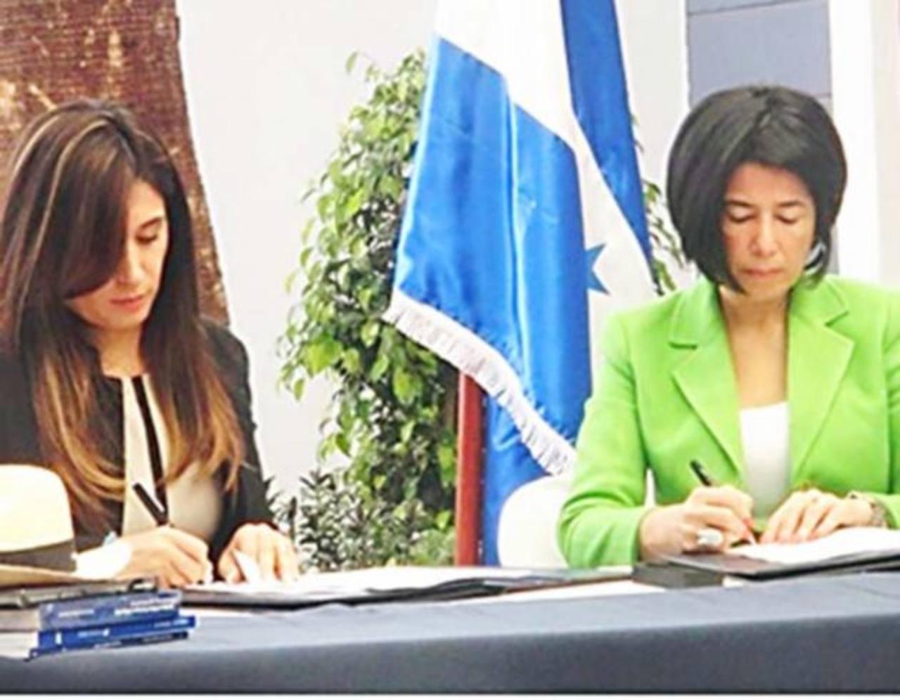 El acuerdo fue firmado por Miriam Guzmán, titular de la Dirección Ejecutiva de Ingresos (DEI) de Honduras y Ximena Amoroso, titular del Servicio de Rentas Internas del Ecuador.