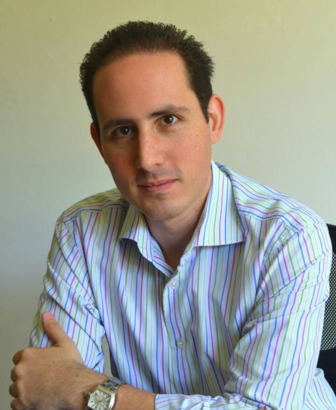 Alfredo Atanacio, es fundador de Uassist.me, una empresa especializada en ayuda administrativa remota.