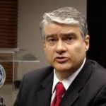 El Ministro de Economía de Panamá, Dulcidio De La Guardia