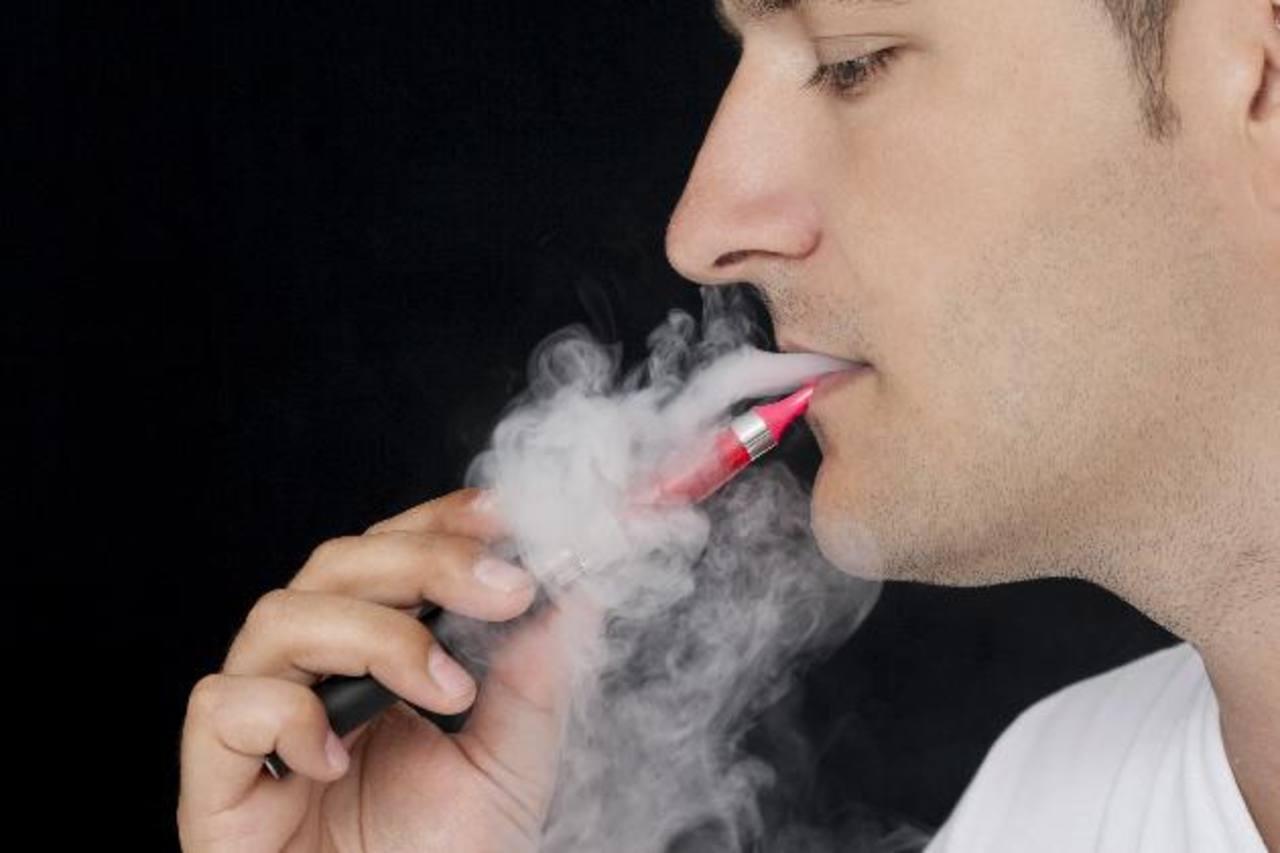 OMS: no a cigarrillos electrónicos en espacios cerrados