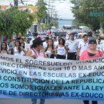 Los maestros denunciaron ayer los problemas financieros que enfrentan las escuelas. FOTO / EDH MARLON HERNÁNDEZ