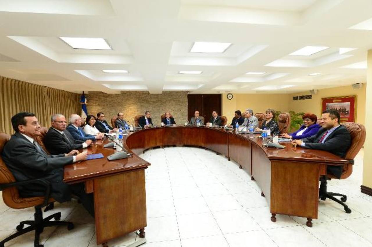 La Corte Plena acordó desaforar a tres jueces de San Miguel, quienes son acusados por la Fiscalía por el delito de cohecho (soborno).