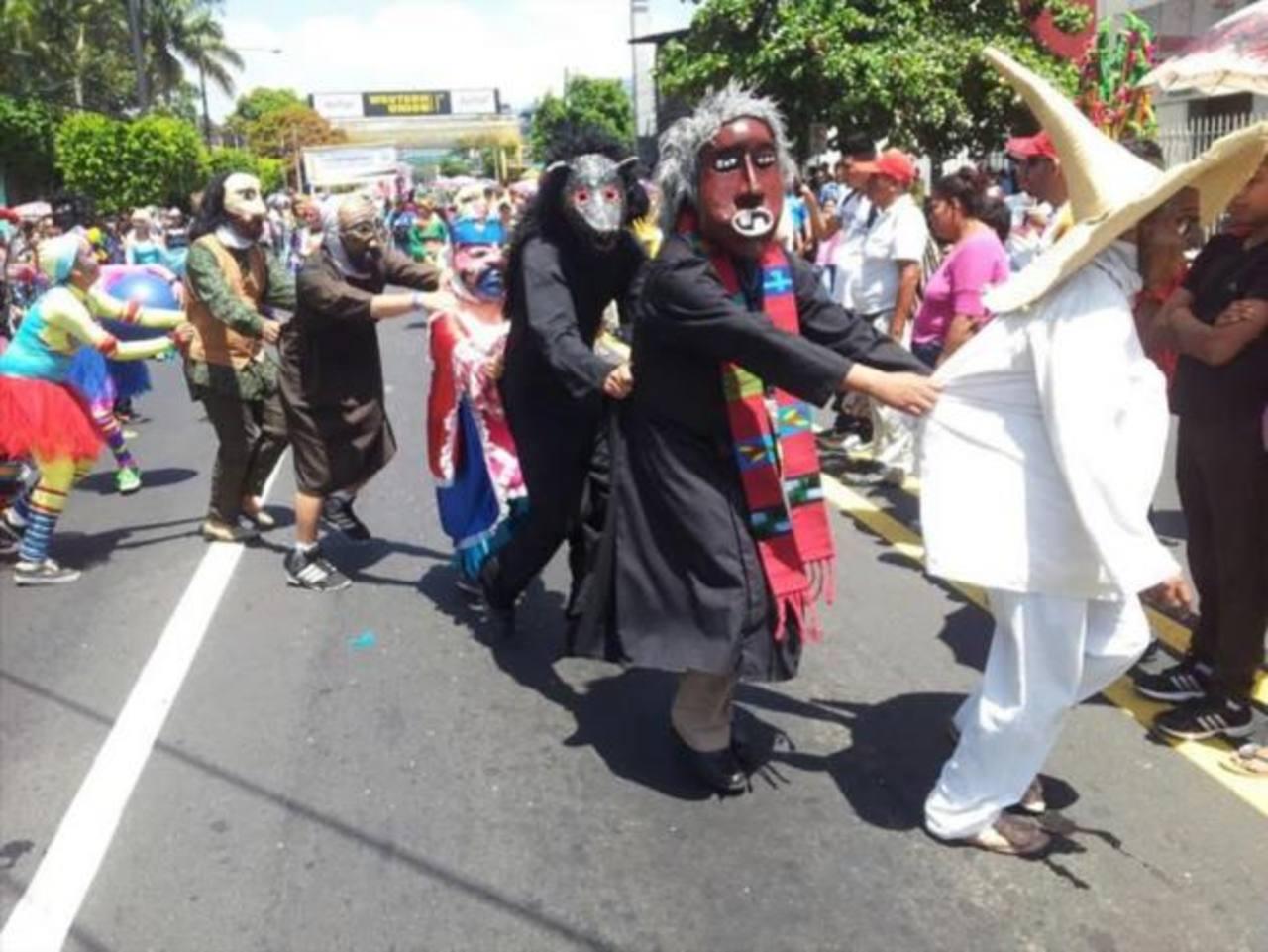 San Salvador está de fiesta
