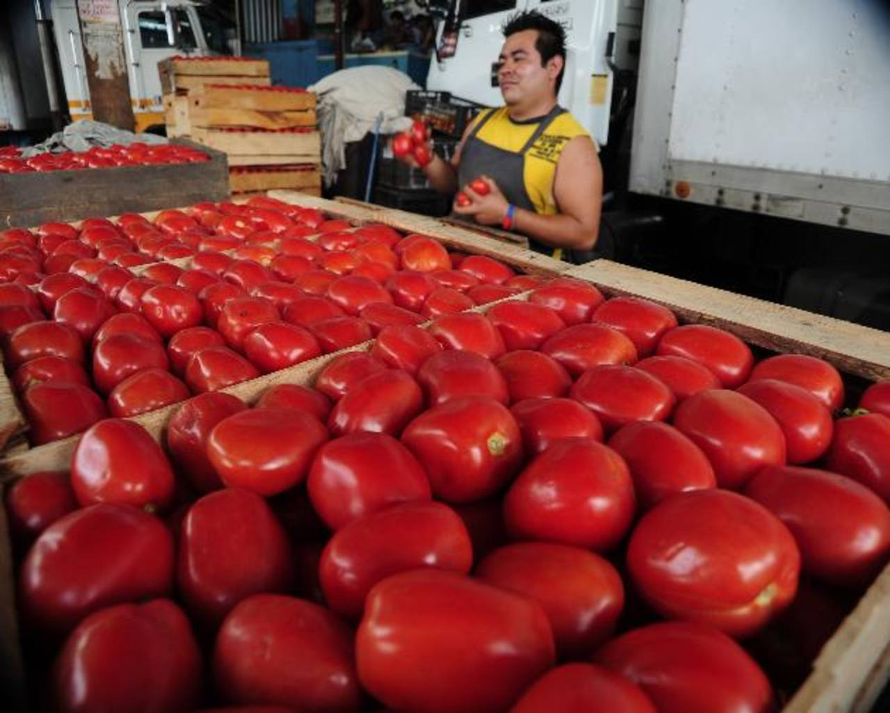 La mayoría de los productos de la canasta básica alimentaria subieron de precio en el último mes. Foto edh / archivo