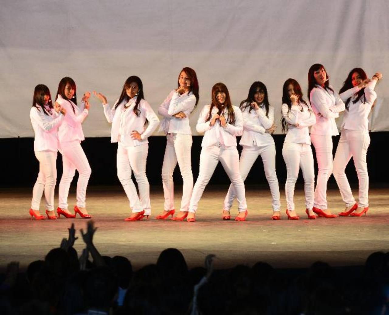 Diamond Girls conquistó con su coreografía y vestimenta. Fotos EDH /René Estrada