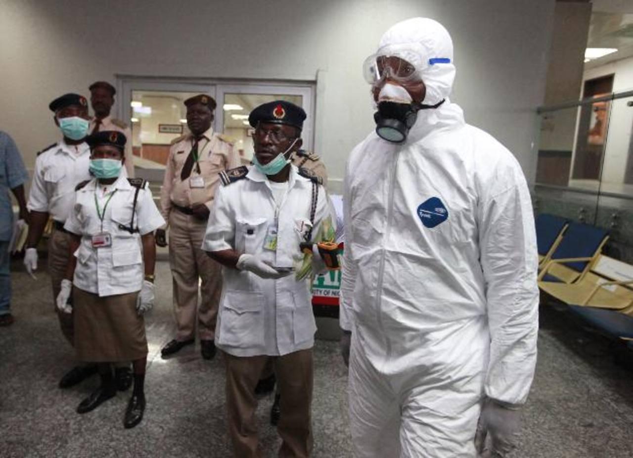 Autoridades de Nigeria están tomando medidas más fuertes para contener la epidemia.