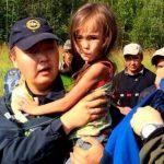 Perro salva a niña de 3 años que estuvo perdida en bosque de Siberia por 11 días