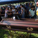 Mirian Lucía Argueta de Beltrán fue enterrada ayer por la tarde en un cementerio privado. Foto EDH/lissette monterrosa