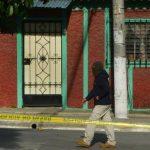Homicidios como el de ayer en una colonia en Ilopango demuestran que la situación de violencia e inseguridad en el país está imparable. Foto edh / René quintanilla