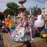 Las reinas y princesas participaron en el tradicional desfile del Correo.