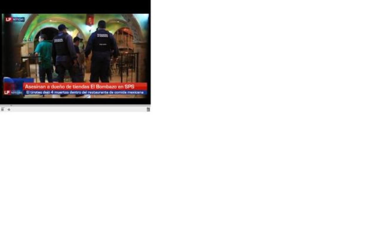 Autoridades realizan las pesquisas en el restaurante donde ocurrió el tiroteo, en San Pedro Sula.