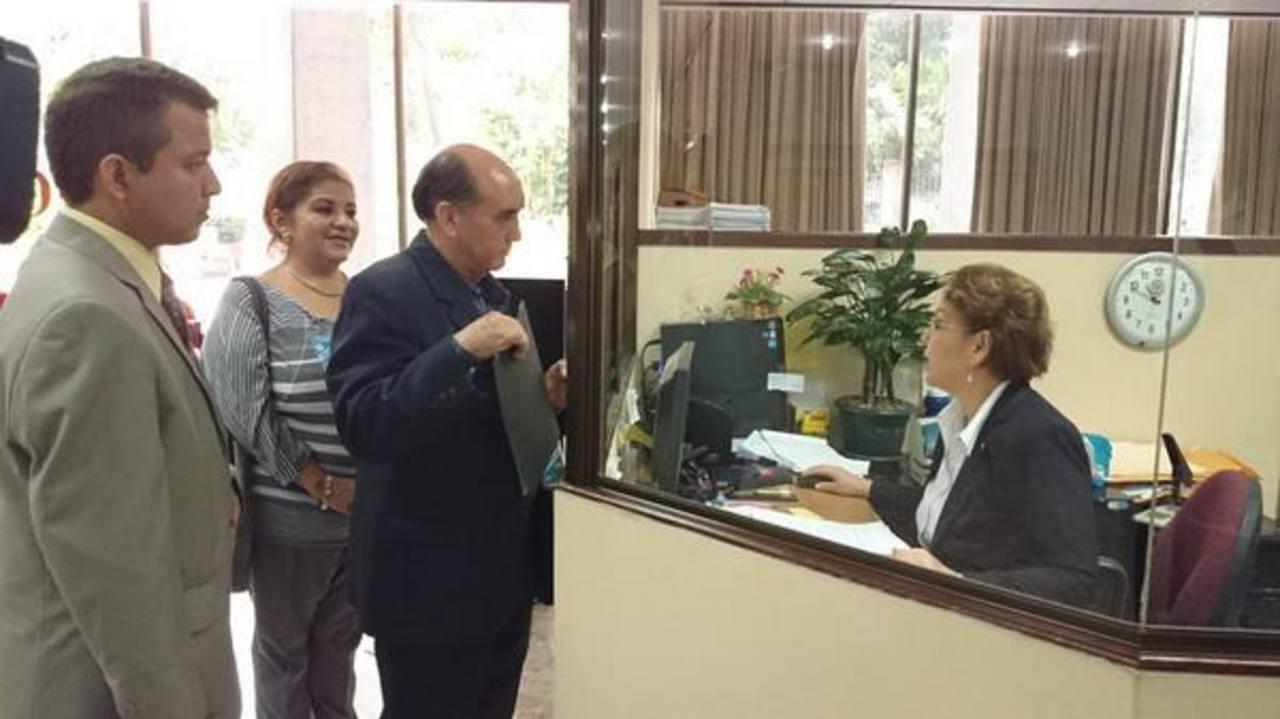 Víctor Rodríguez, presidente de la Sociedad de Comerciantes e Industriales Salvadoreños (SCIS), presentó la demanda de inconstitucionalidad ante la Corte Suprema de Justicia.