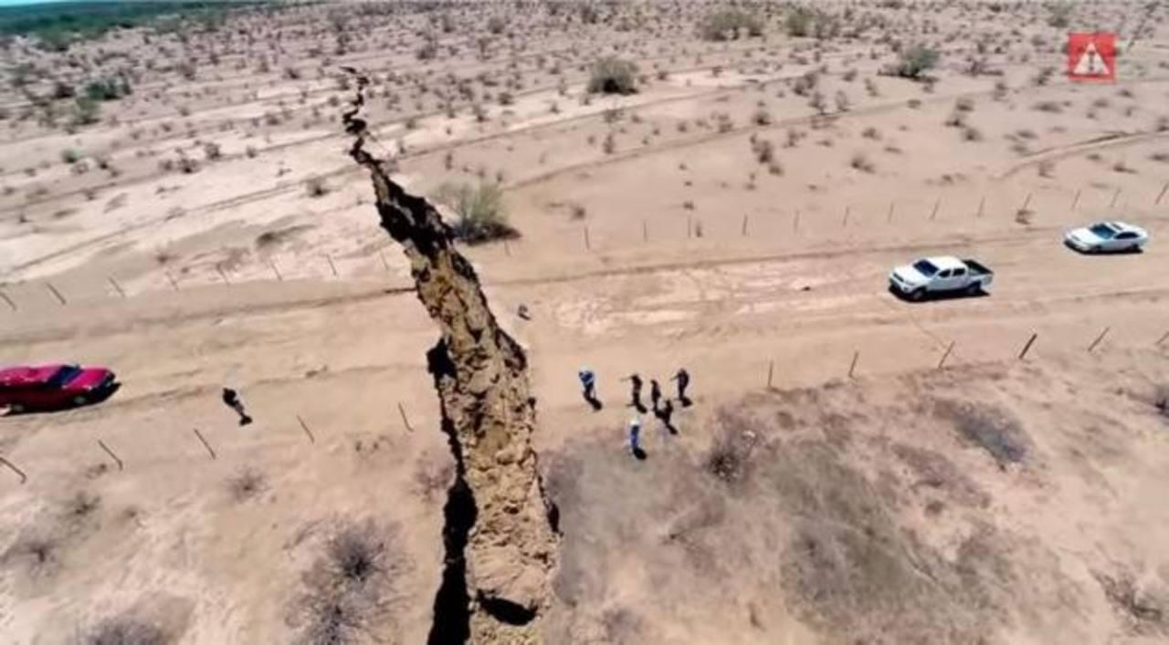 Video: ¿Ya viste la impresionante grieta que se abrió en México?