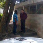 """El """"Padre Toño"""" durante su llegada al Juzgado Especializado de San Salvador."""