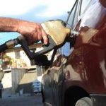 Los precios de los combustibles disminuirán en todo el país. Foto EDH / Archivo