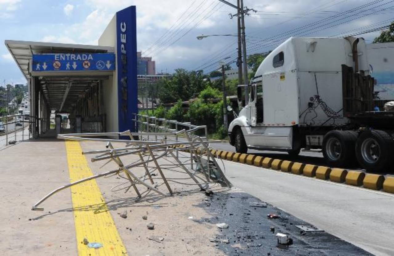 Sigue deterioro de la infraestructura del Sitramss