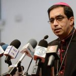 El Arzobispo de San Salvador, José Luis Escobar Alas, pidió a nuevos funcionarios ejercer bien su papel. foto edh / ARCHIVO