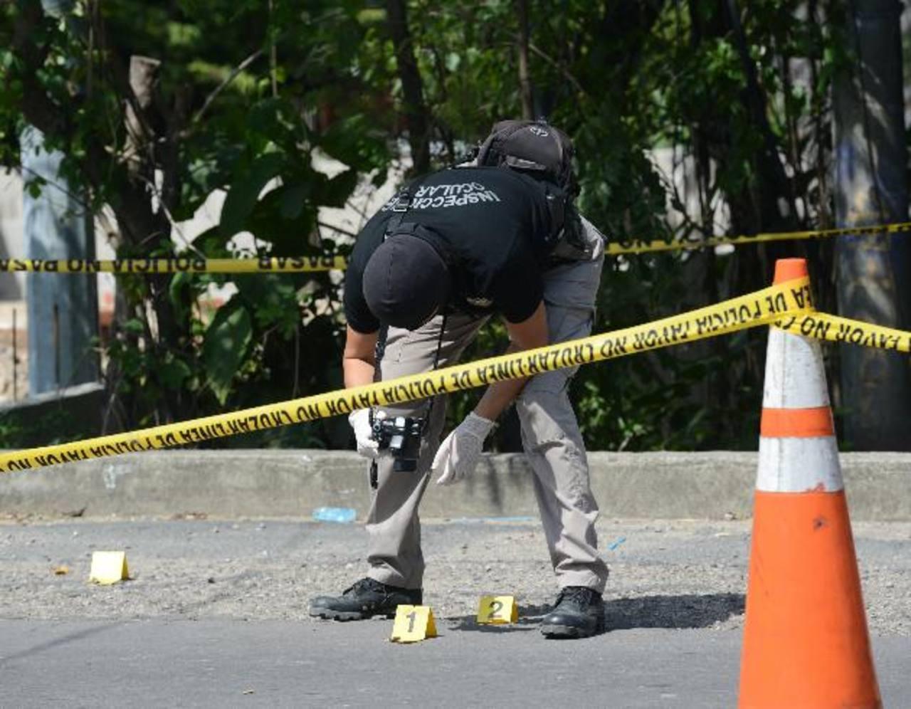 En 17 días que van del mes de agosto, la Policía registra el asesinato de 203 personas, pero autoridades de Seguridad afirman que hay una tendencia a la baja. Foto EDH / DOUGLAS URQUILLA.