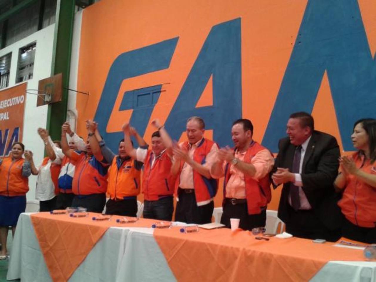 GANA oficializa afiliación de Walter Araujo y candidatura por alcaldía capitalina