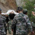 Sismo deja más de 300 muertos en China