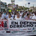 Trabajadores de medios de comunicación, periodistas autónomos y organizaciones civiles protestan en Culiacán. edh / EFE