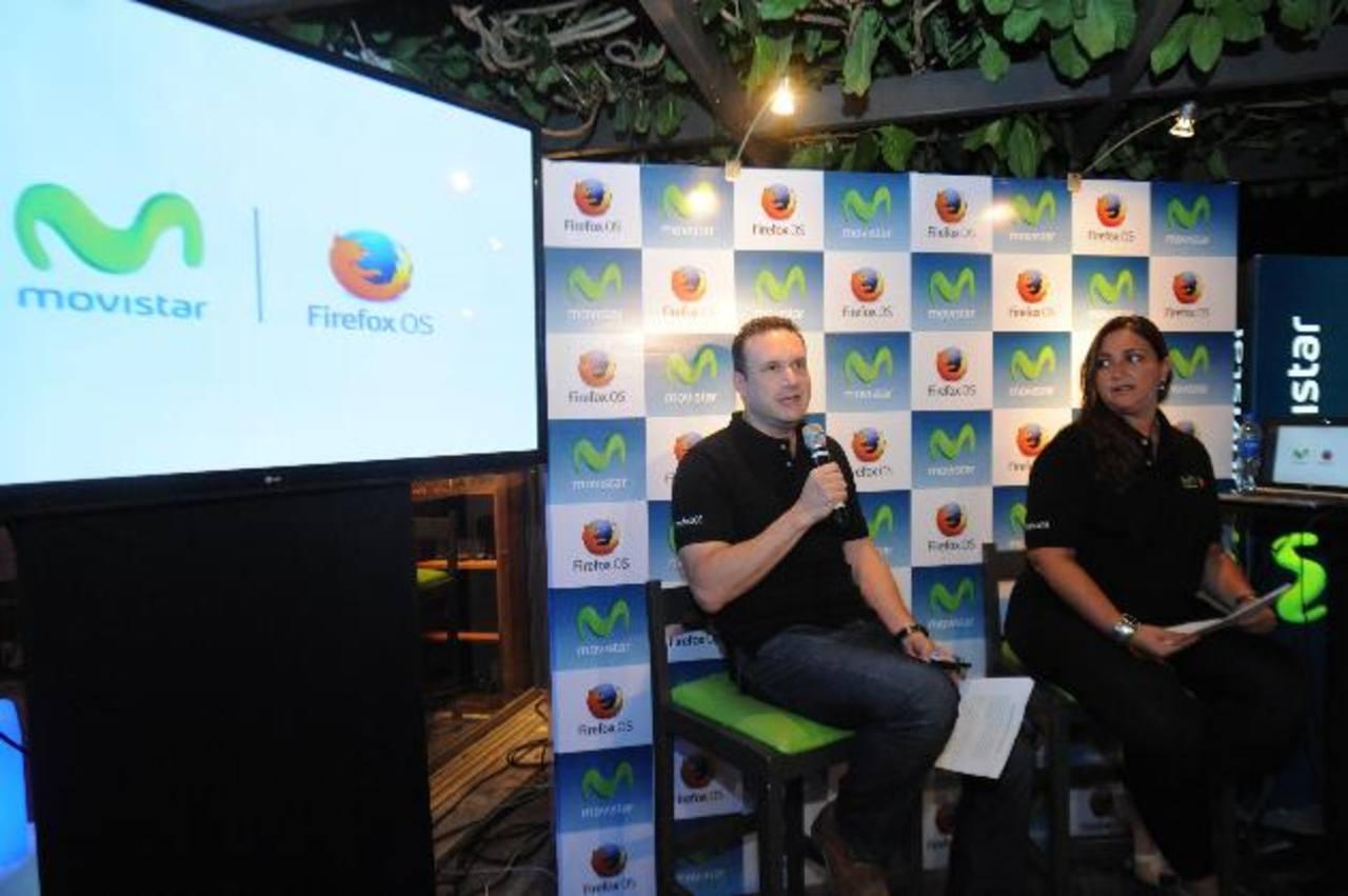 Representantes de la empresa dieron a conocer la alianza y lanzamiento del sistema operativo en el país, ofreciendo información sobre sus ventajas.