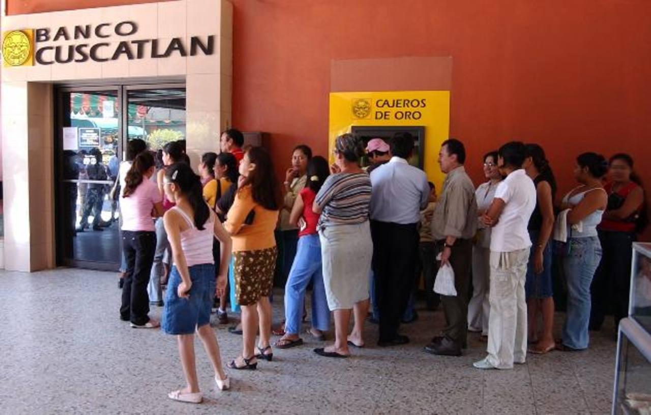 El Salvador reporta el crecimiento más lento del sistema financiero debido a su aletargado desarrollo económico. foto EDH / archivo