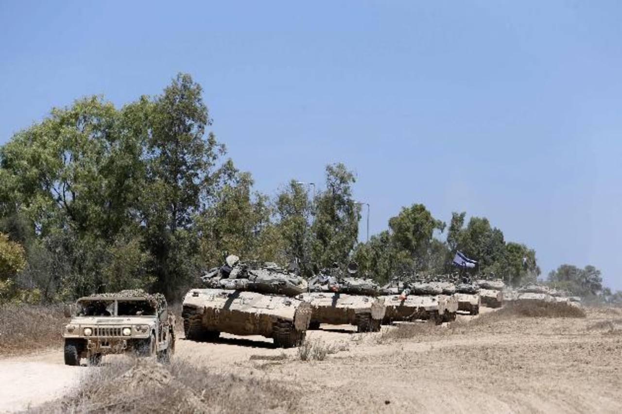 Israel retiró de la Franja de Gaza a la mayoría de sus efectivos y artillería terrestre ayer.